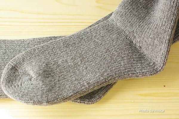 冷えとり靴下をいっぱい重ねて履いても足が冷えるときは分厚いウールソックスがおすすめ!