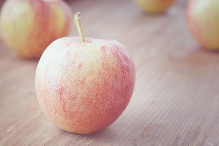 抗酸化力が高く肌のターンオーバーを促す「リンゴ幹細胞エキス」を配合